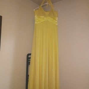 Dresses - Yellow prom dress size large halter